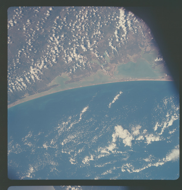 AS07-05-1633 - Apollo 7 - Apollo 7 Mission, Mexico, Lower Texas Gulf Coast, Laguna Madre, Gulf of Mexico, San Fernando.Near Vertical