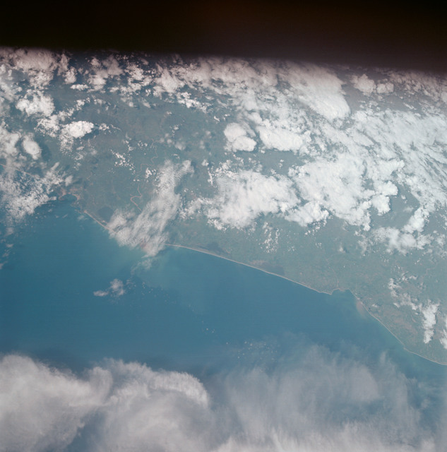 AS07-05-1652 - Apollo 7 - Apollo 7 Mission, Mexico, west coast, Acapulco to Tecuanapa