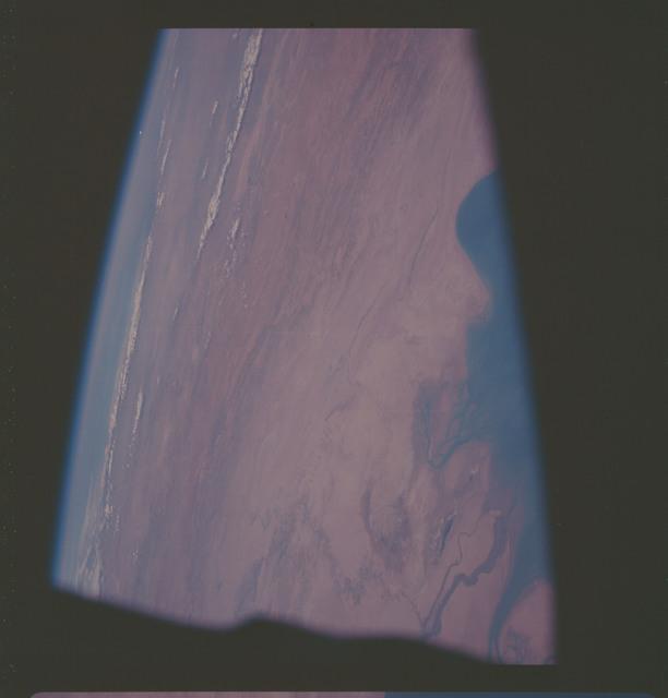AS07-06-1700 - Apollo 7 - Apollo 7 Mission, Persian Gulf, Iran, Iraq, mouth of Tigres-Euphrates Rivers