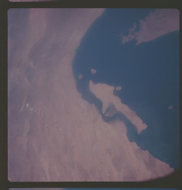 AS07-06-1703 - Apollo 7 - Apollo 7 Mission, Gulf of Oman, Iran, Qishm Island