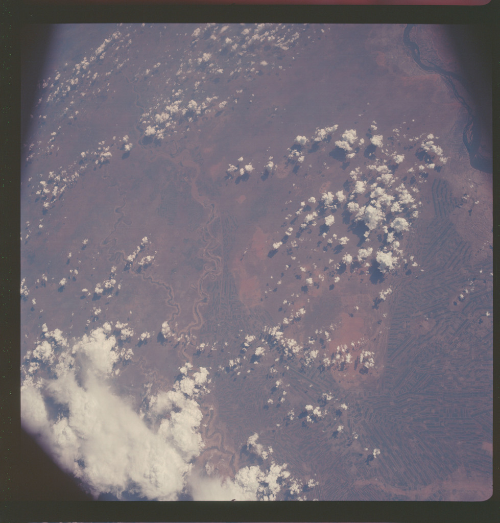 AS07-06-1717 - Apollo 7 - Apollo 7 Mission, Africa, Sudan, Blue and white Nile, South of Khartoum