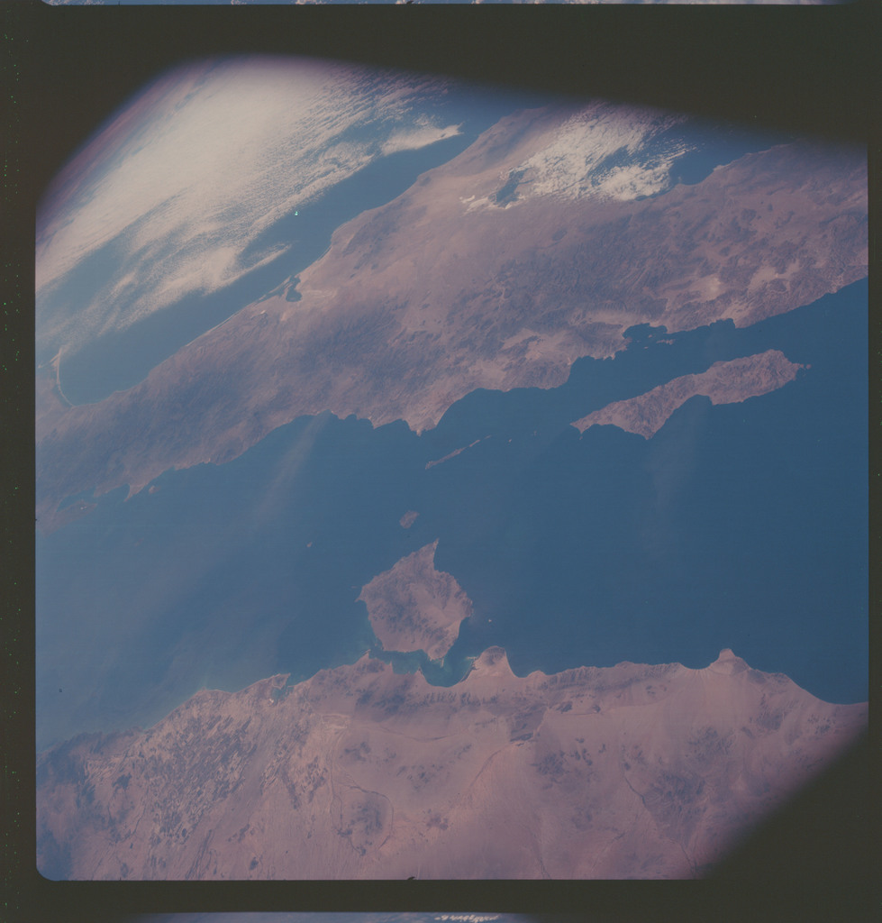 AS07-06-1731 - Apollo 7 - Apollo 7 Mission, West coast of Mexico, Gulf of Baja California, Pacific Ocean