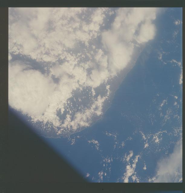 AS07-07-1851 - Apollo 7 - Apollo 7 Mission, Ceylon (Sri Lanka)