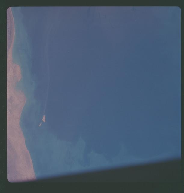 AS07-11-2002 - Apollo 7 - Apollo 7 Mission, Iran and Persian Gulf