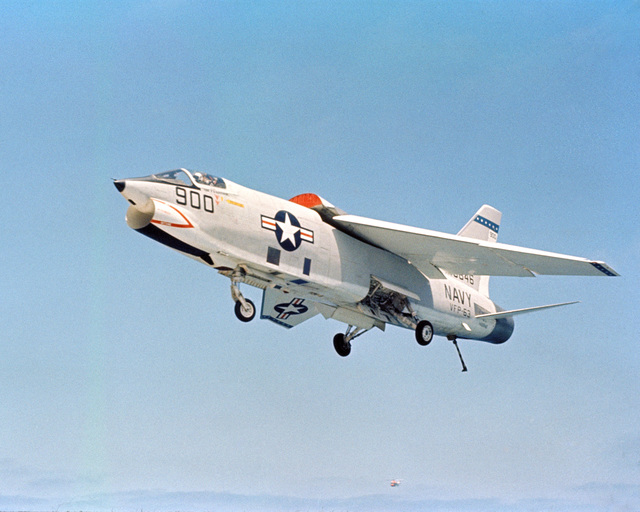 A Light Photographic Reconnaissance Squadron 63 (VFP-63) RF-8A Crusader aircraft approaches for a landing aboard the attack aircraft carrier USS MIDWAY (CV 41)