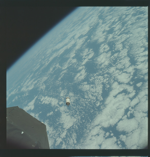 AS09-19-2945 - Apollo 9 - Apollo 9 Mission image - Service Module (SM) Lunar Module (LM) Adapter (S.L.A.) over the eastern Pacific