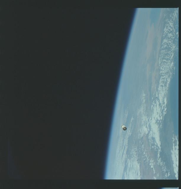 AS09-19-2950 - Apollo 9 - Apollo 9 Mission image - Earth limb over California with S.L.A. in distance