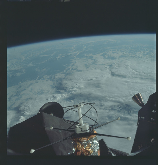 AS09-19-2970 - Apollo 9 - Apollo 9 Mission image - Lunar Module antenna system