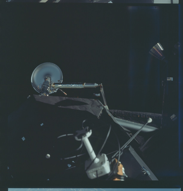 AS09-19-2977 - Apollo 9 - Apollo 9 Mission image - View of the Lunar Module (LM) antenna and LEG system