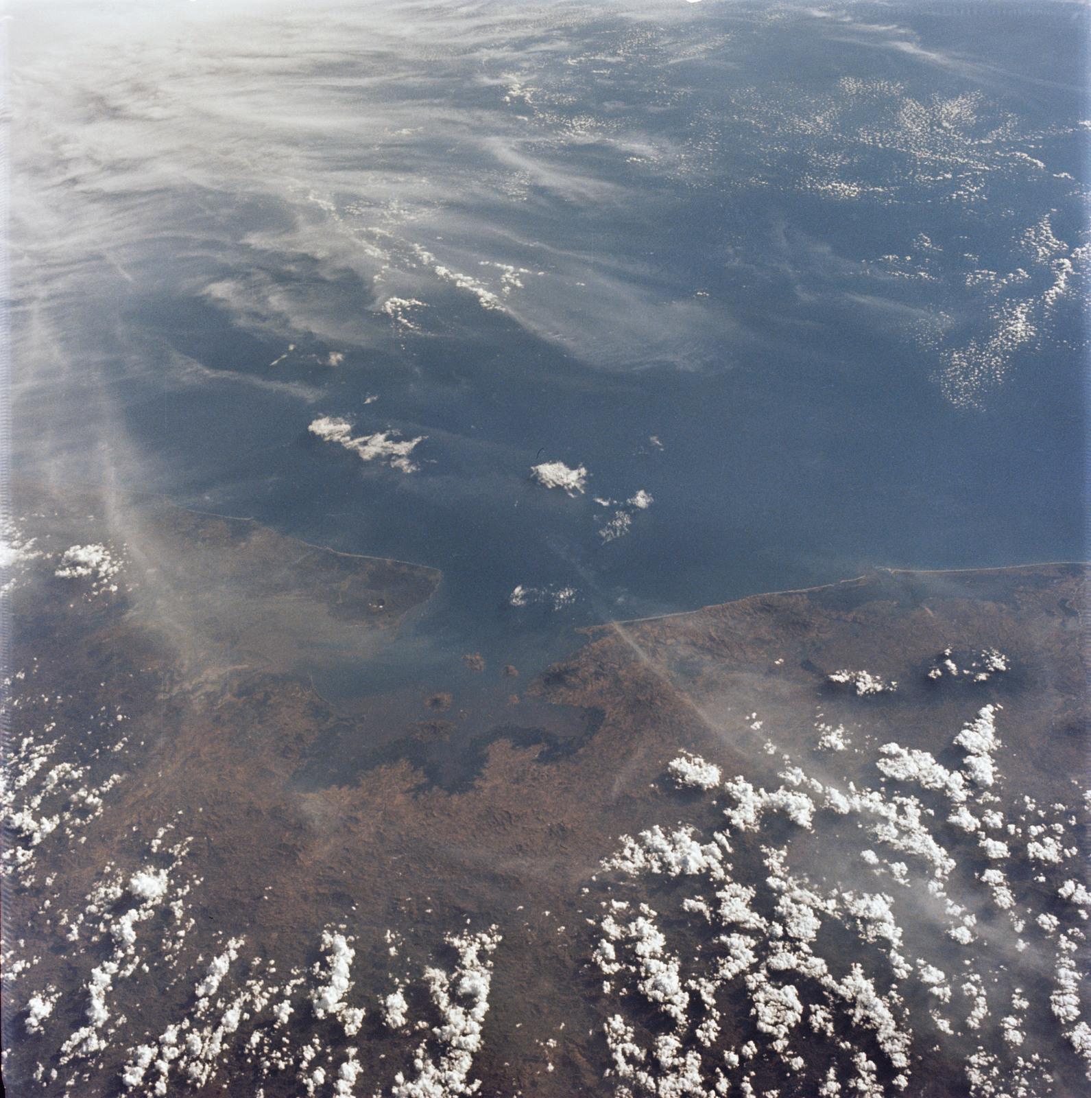 AS09-22-3373 - Apollo 9 - Apollo 9 Mission image - Earth Observations - Honduras, El Salvador, Nicaragua