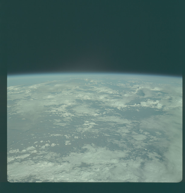 AS09-24-3680 - Apollo 9 - Apollo 9 Mission image - Earth Observation  -  Earth limb