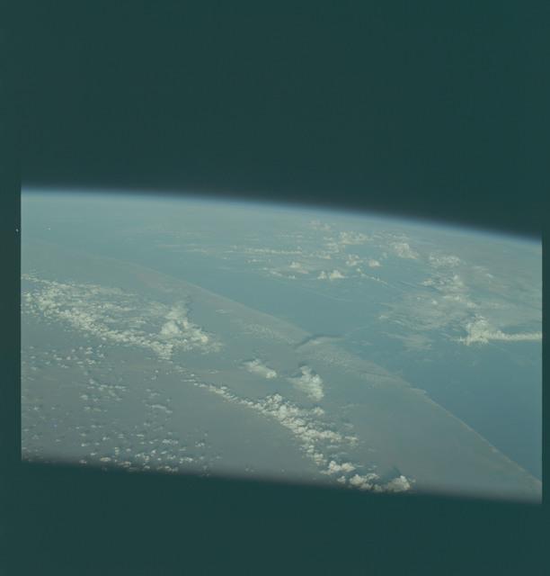 AS09-24-3681 - Apollo 9 - Apollo 9 Mission image - Earth Observation  -  Earth limb