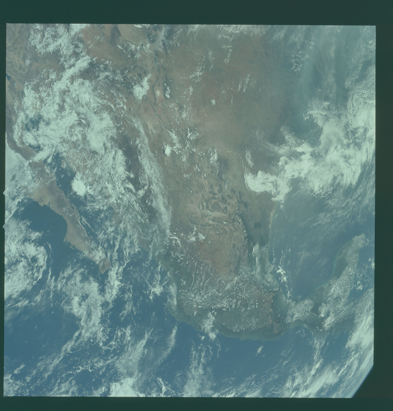 AS11-36-5306 - Apollo 11 - Apollo 11 Mission image - Earth view with United States, Mexico and Baja visible