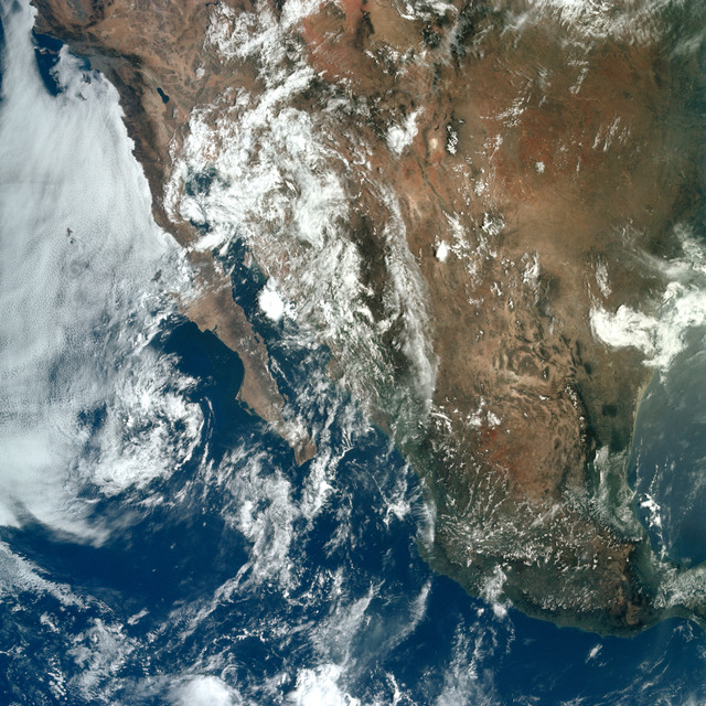 AS11-36-5308 - Apollo 11 - Apollo 11 Mission image - Earth view of Baja California, the United States and Mexico