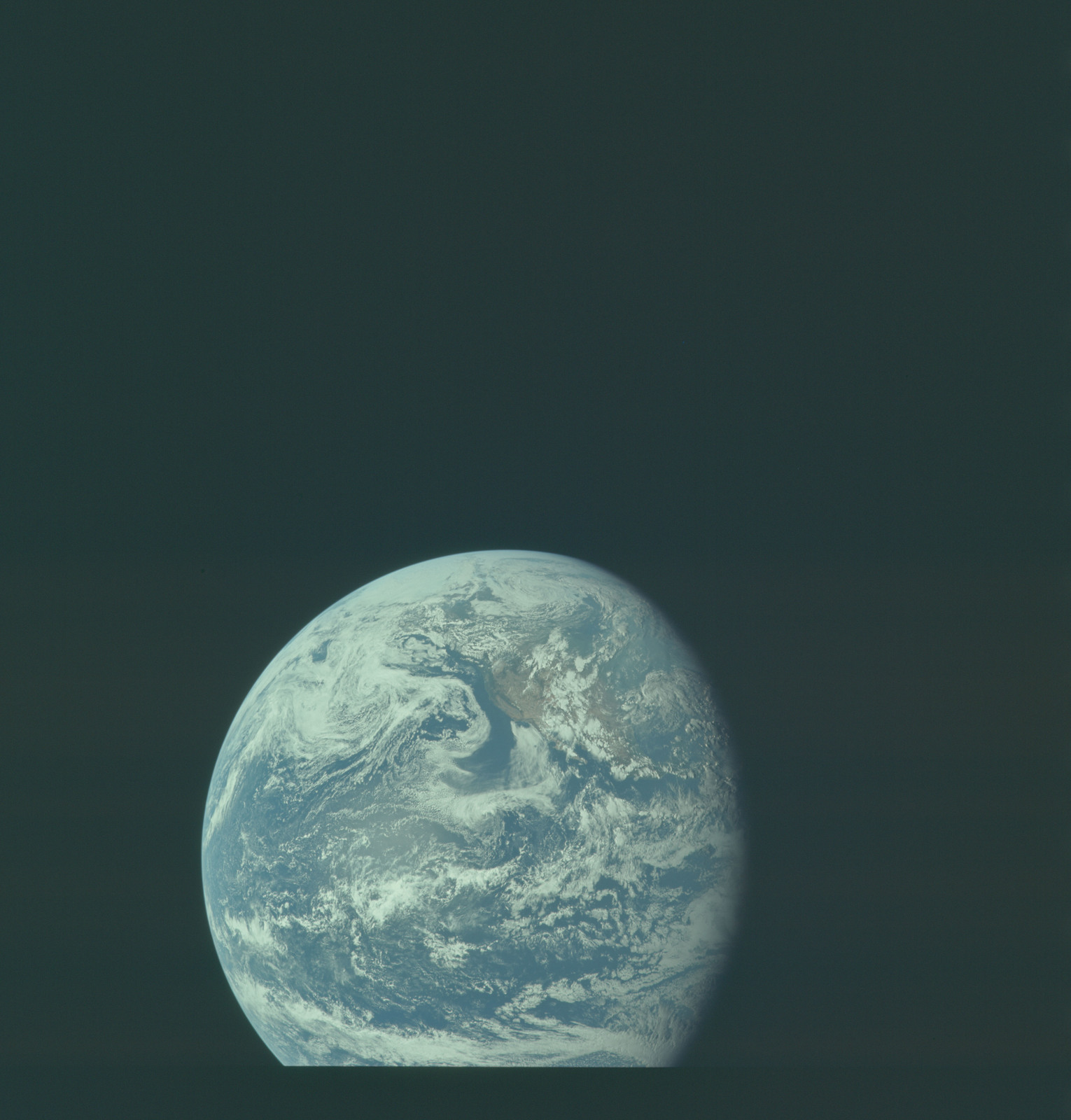 AS11-36-5334 - Apollo 11 - Apollo 11 Mission image - Earth view