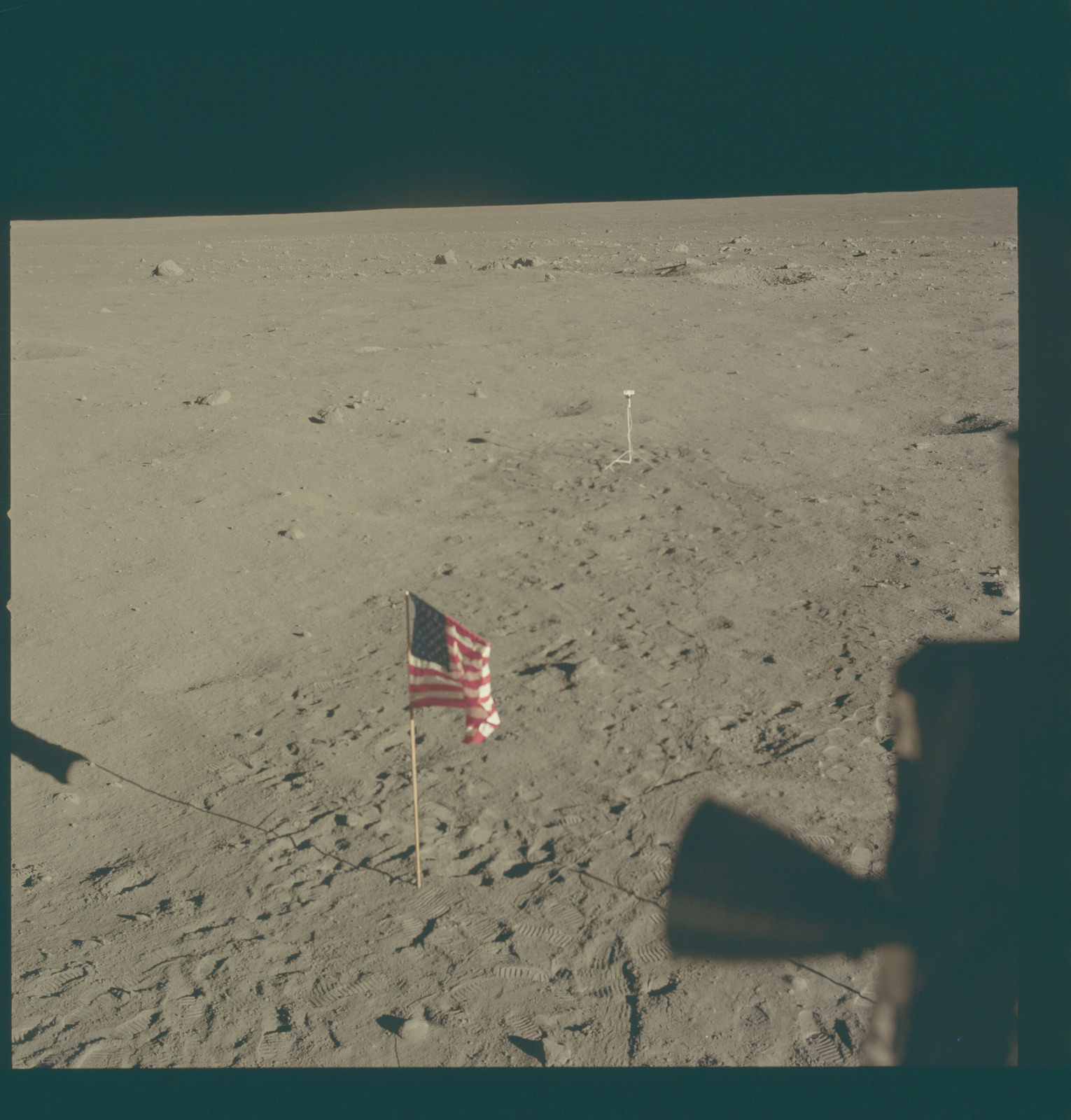 AS11-37-5467 - Apollo 11 - Apollo 11 Mission image - Lunar horizon from Tranquility Base