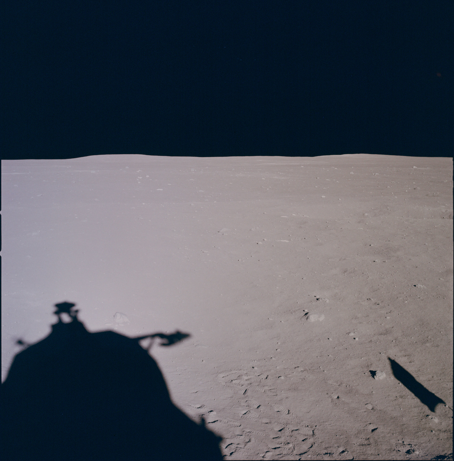 AS11-37-5490 - Apollo 11 - Apollo 11 Mission image - Lunar horizon from Tranquility Base