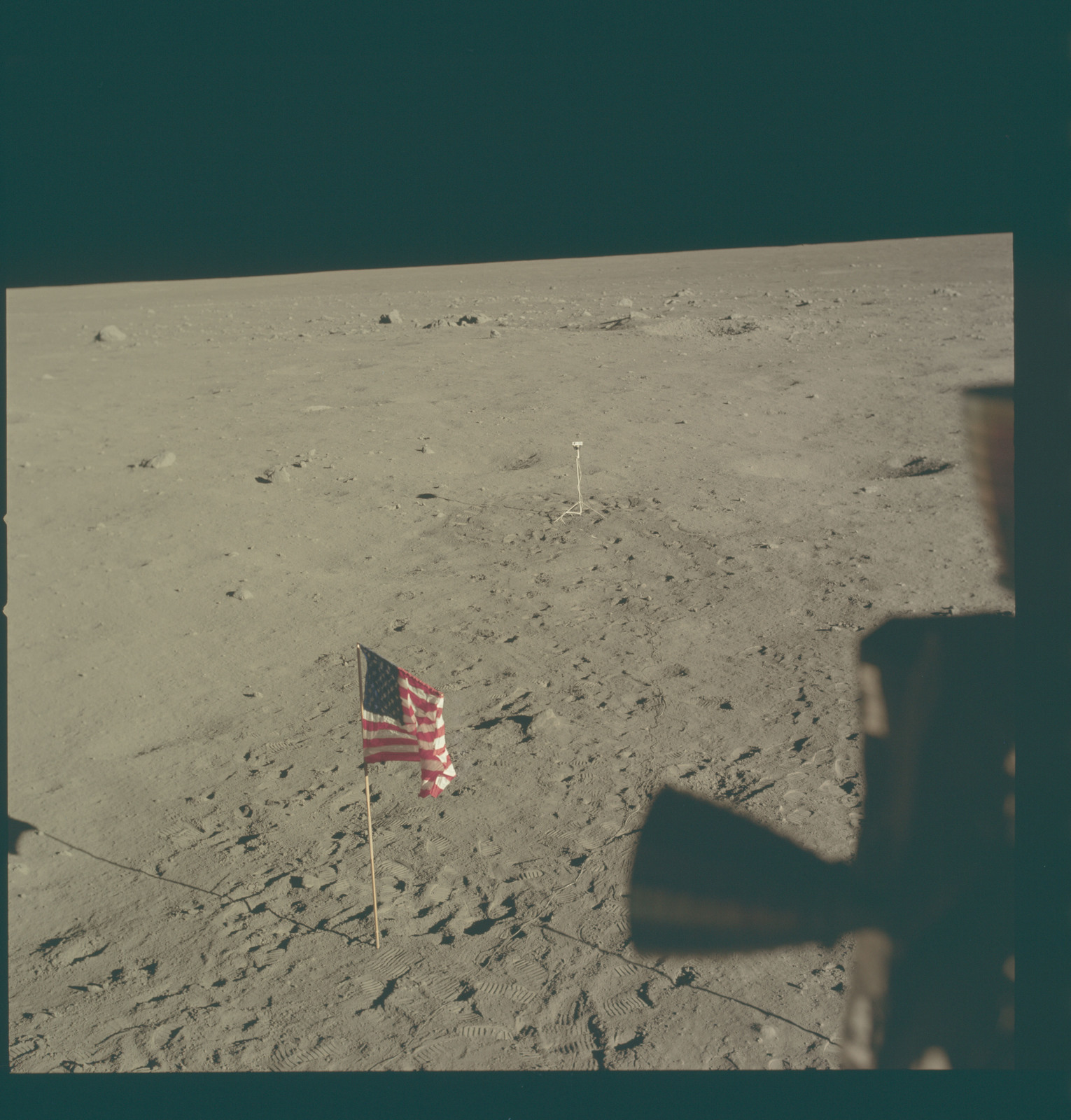 AS11-37-5516 - Apollo 11 - Apollo 11 Mission image - Lunar horizon from Tranquility Base