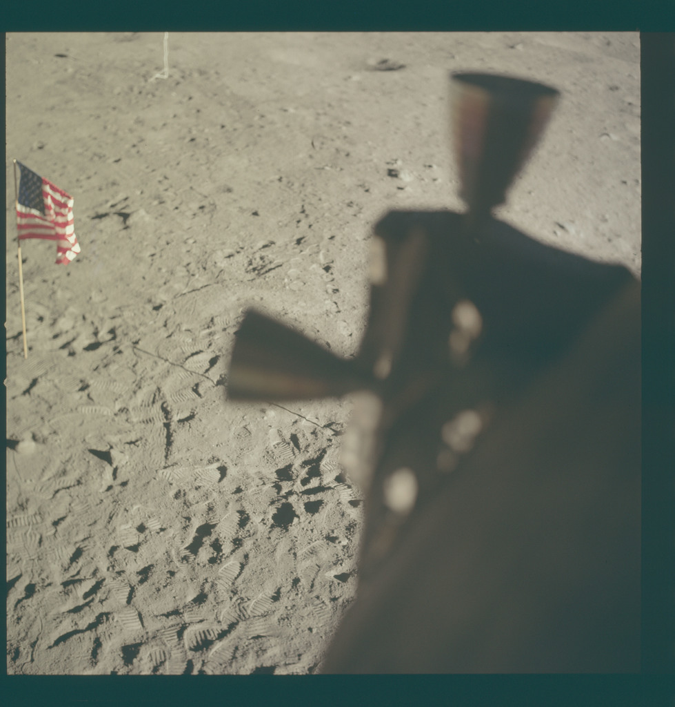 AS11-37-5544 - Apollo 11 - Apollo 11 Mission image - Lunar surface at Tranquility Base