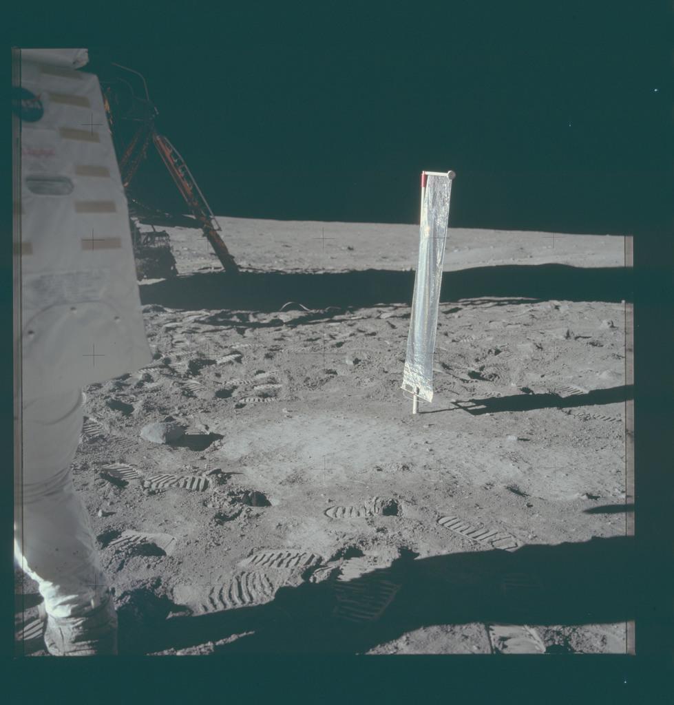 AS11-40-5916 - Apollo 11 - Apollo 11 Mission image - Solar-Wind Composition (SWC) Experiment