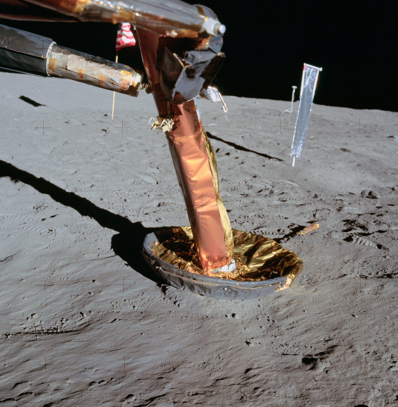 AS11-40-5920 - Apollo 11 - Apollo 11 Mission image - Lunar Module +y footpad and contact prob
