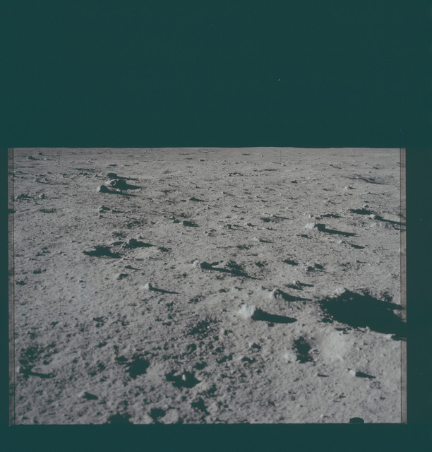 AS11-40-5938 - Apollo 11 - Apollo 11 Mission image - Lunar surface and horizon