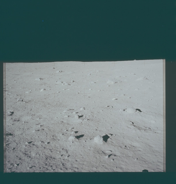 AS11-40-5940 - Apollo 11 - Apollo 11 Mission image - Lunar surface and horizon