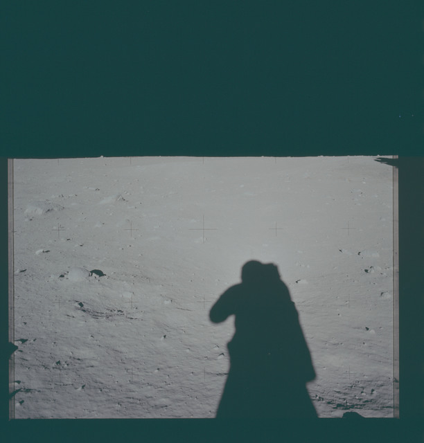 AS11-40-5941 - Apollo 11 - Apollo 11 Mission image - Lunar surface and horizon