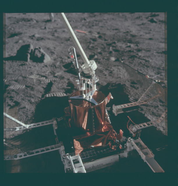 AS11-40-5953 - Apollo 11 - Apollo 11 Mission image - Passive Seismic Experiments Package (PSEP)
