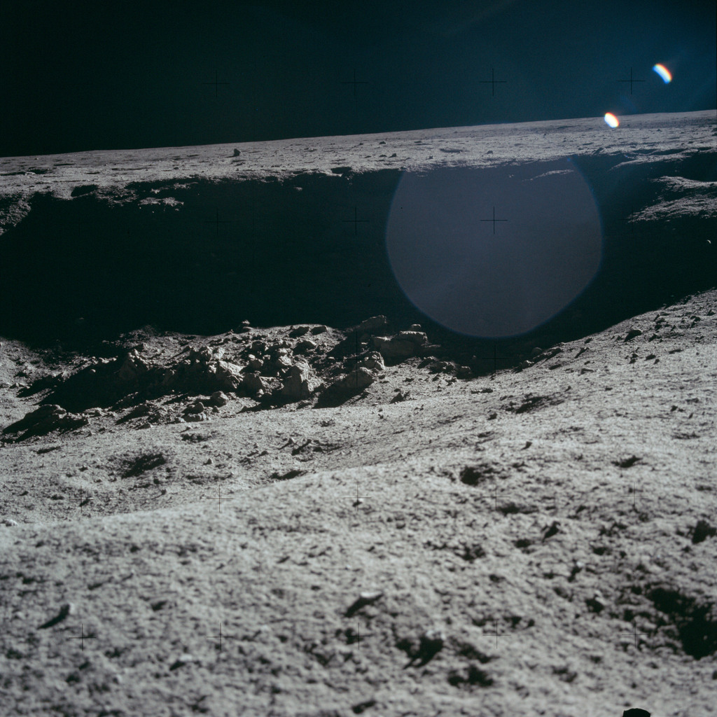 AS11-40-5955 - Apollo 11 - Apollo 11 Mission image - Lunar surface and horizon