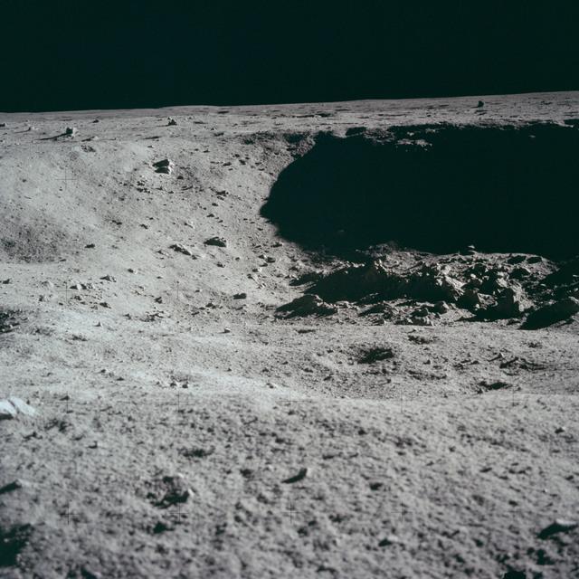 AS11-40-5956 - Apollo 11 - Apollo 11 Mission image - Lunar surface and horizon