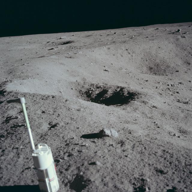 AS11-40-5958 - Apollo 11 - Apollo 11 Mission image - Lunar surface and horizon