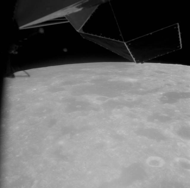 AS11-42-6204 - Apollo 11 - Apollo 11 Mission image - Area east of Foaming Sea