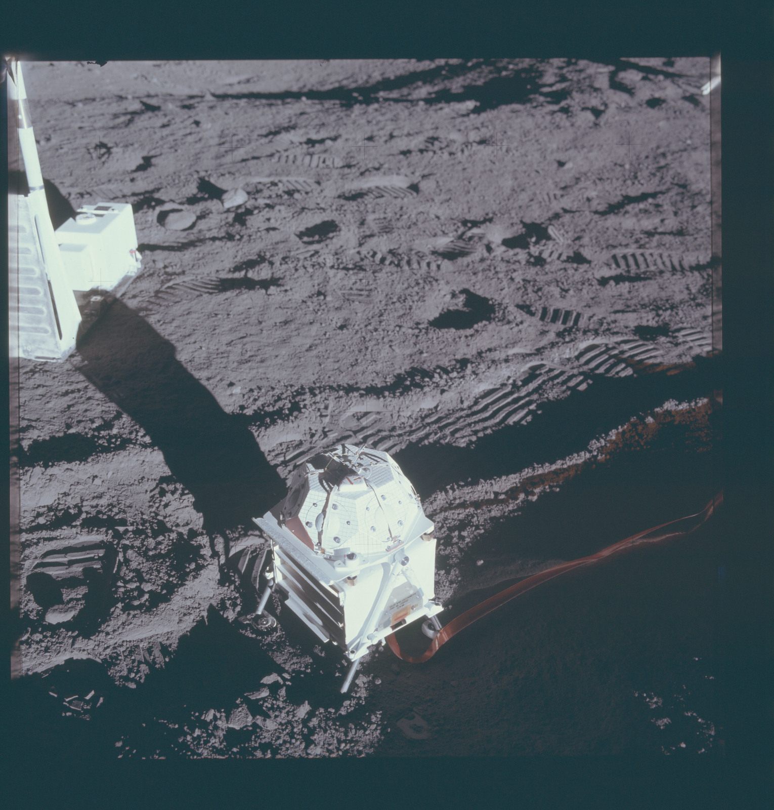 AS12-46-6812 - Apollo 12 - Apollo 12 Mission image  - View of Solar-wind spectrometer experiment deployed on the lunar surface
