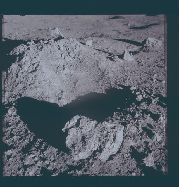 AS12-46-6824 - Apollo 12 - Apollo 12 Mission image  - View of lunar surface mound