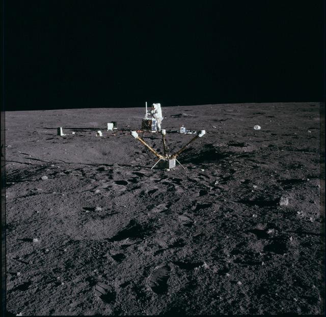 AS12-47-6921 - Apollo 12 - Apollo 12 Mission image  - deployed ALSEP