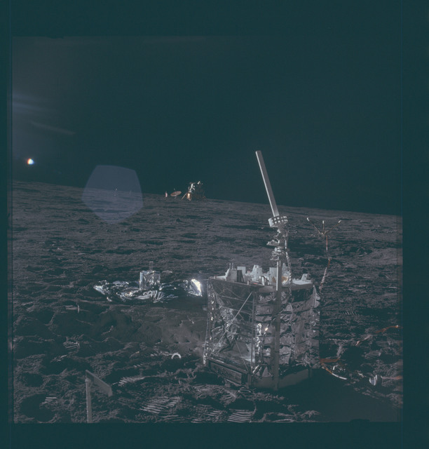 AS12-47-6928 - Apollo 12 - Apollo 12 Mission image  - ALSEP central station and antenna