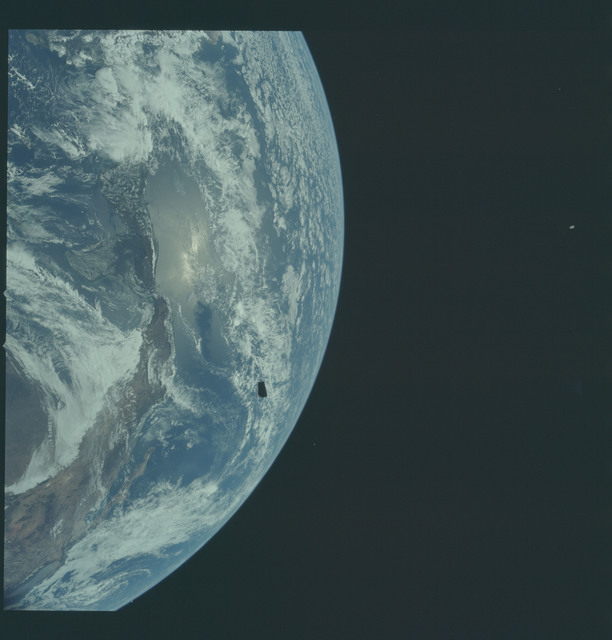 AS12-50-7326 - Apollo 12 - Apollo 12 Mission image  - Parts of United States and Central America.
