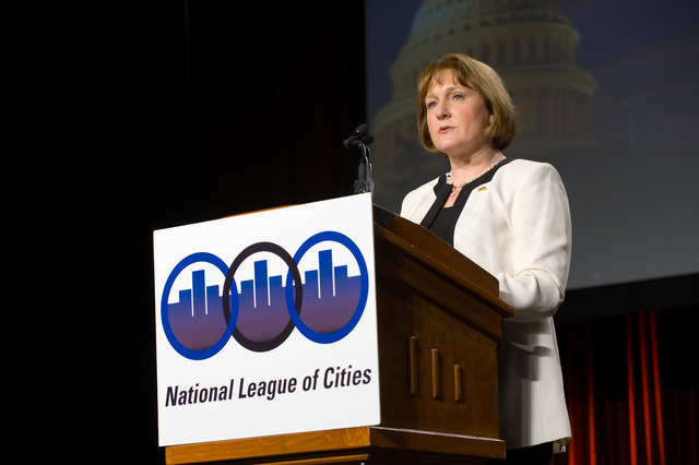 Office of the Administrator (Lisa P. Jackson) - National League of Cities [412-APD-455-ND3_3524.jpg]