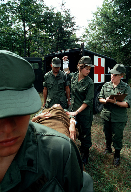 Army medical personnel conduct a training exercise