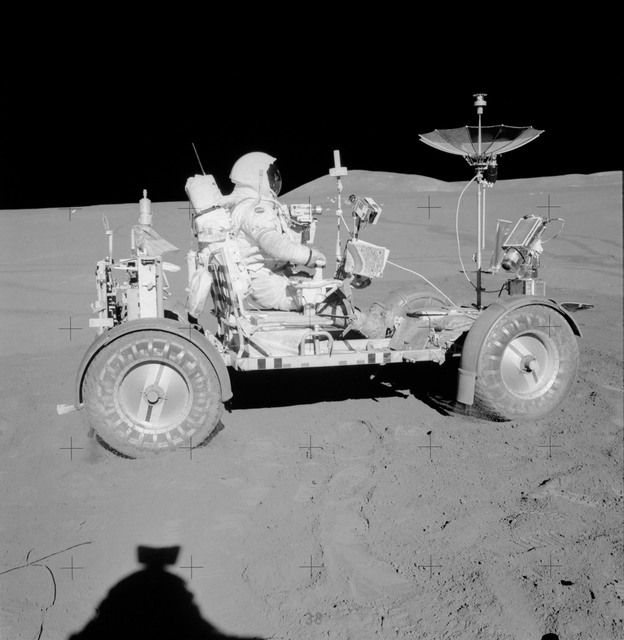 AS15-85-11471 - Apollo 15 - Apollo 15 Mission image - View of the Apollo Lunar Surface Experiments Package (ALSEP)