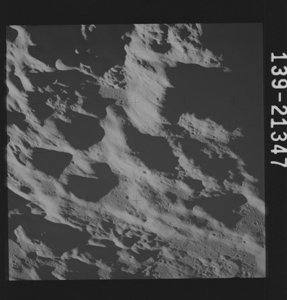 AS17-139-21347 - Apollo 17 - Apollo 17 Mission image - Tsiolkovsky, SE Rim