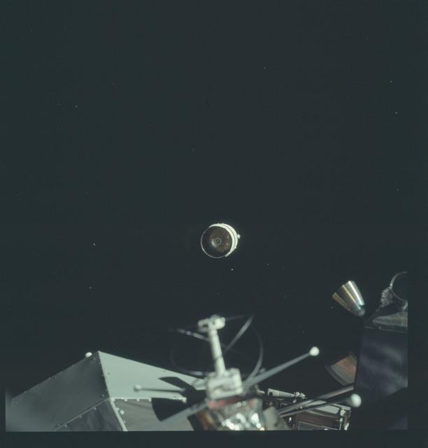 AS17-148-22705 - Apollo 17 - Apollo 17, SIVB and Lunar Module Trusters and Antenna