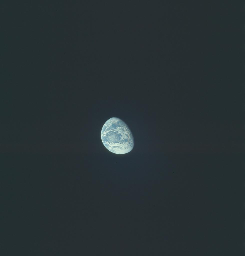 AS17-148-22759 - Apollo 17 - Apollo 17, Earth views over North and South America and Antarctica