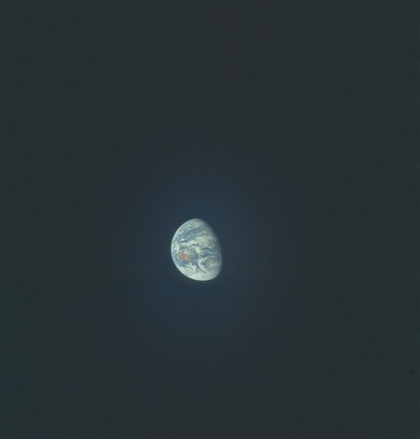 AS17-148-22761 - Apollo 17 - Apollo 17, Earth views over the Pacific Ocean and Antarctica