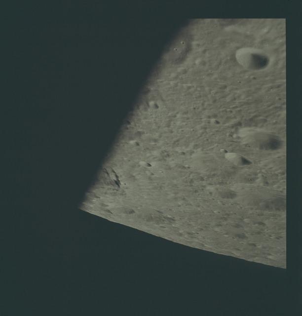 AS17-151-23135 - Apollo 17 - Apollo 17- Moon, Daedalus