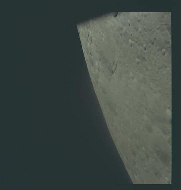 AS17-151-23136 - Apollo 17 - Apollo 17- Moon, West Wall of Daedalus