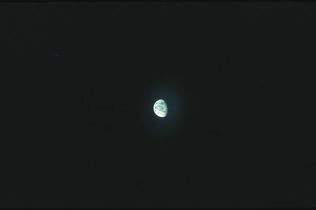 AS17-162-24070 - Apollo 17 - Apollo 17, Earth sphere