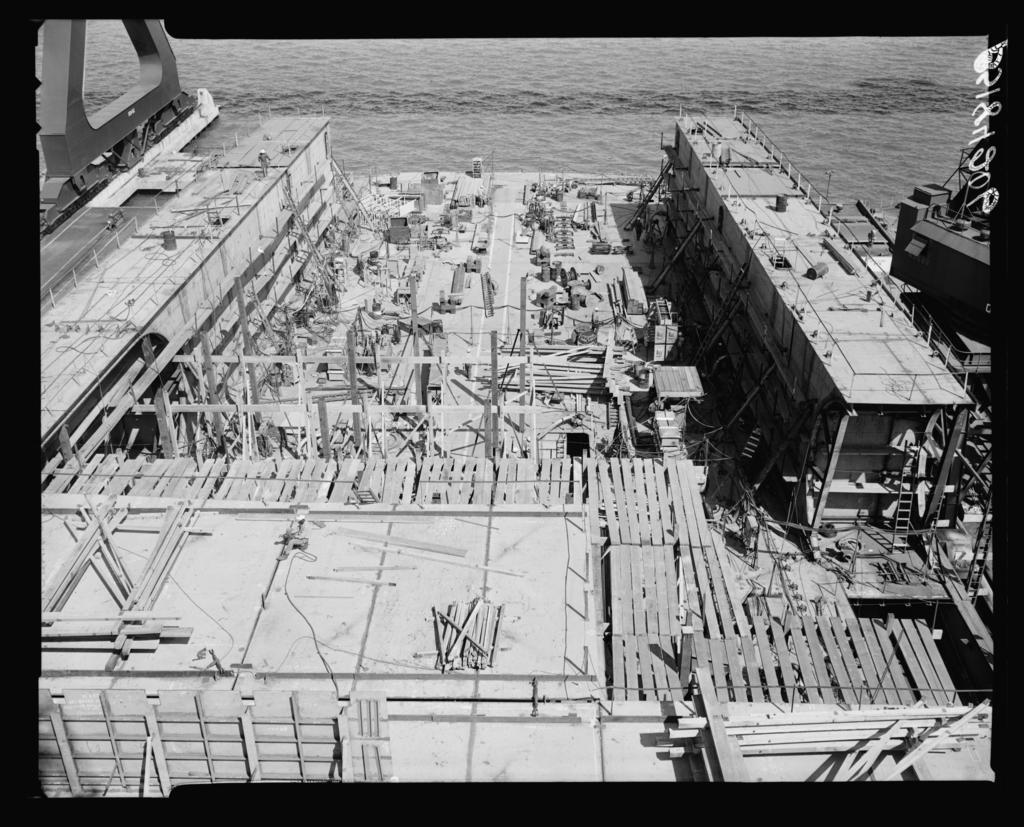 CVA(N) 68 Chester W. Nimitz