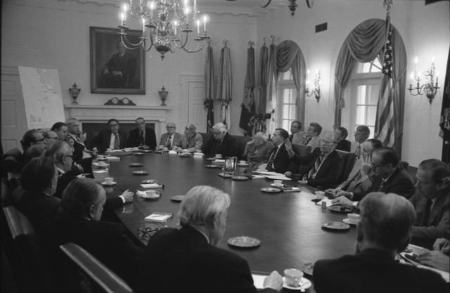 Photograph of President Gerald R. Ford Briefing the Bipartisan Congressional Leadership on the Seizure of the American Merchant Ship S.S. Mayaguez in the Cabinet Room